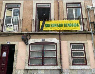 """Casa do Brasil em Lisboa tem faixa """"Bolsonaro Genocida"""""""