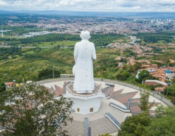 Igreja no Ceará vai à Justiça para recuperar terreno que virou loteamento