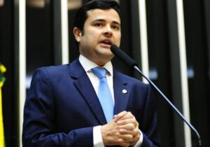 Apoio de Dudu da Fonte é disputado em Pernambuco