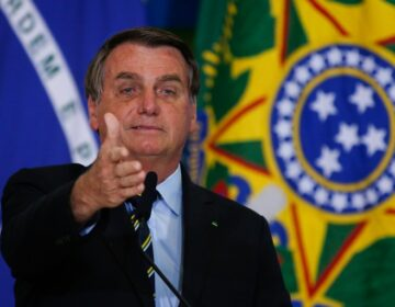 Bolsonaro aposta no Auxílio Brasil para recuperar popularidade e voto