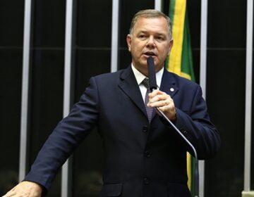 Senado afrouxa Ficha Limpa e derruba inelegibilidade para multados