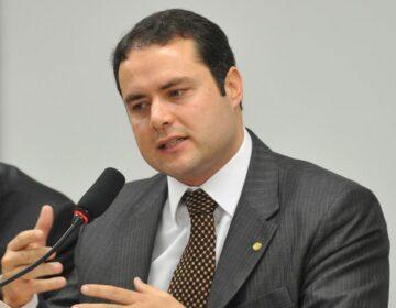 Água no chope eleitoral: reajuste de tarifa piora relação de JHC com Renan Filho