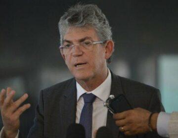 Na rota do camburão, Coutinho se filia ao PT da Paraíba